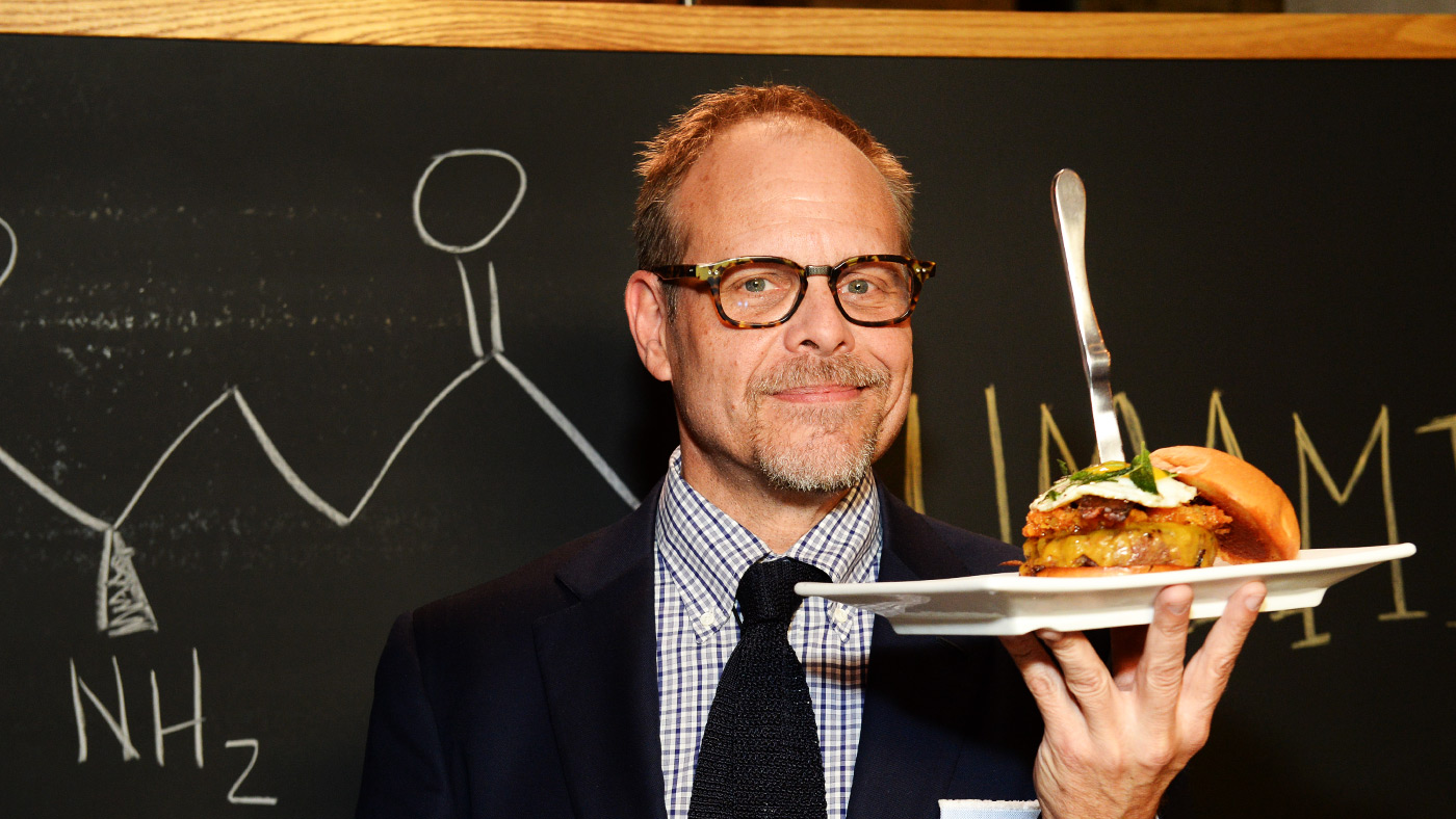 4 reasons why alton brown makes cutthroat kitchen better than chopped - Cutthroat Kitchen