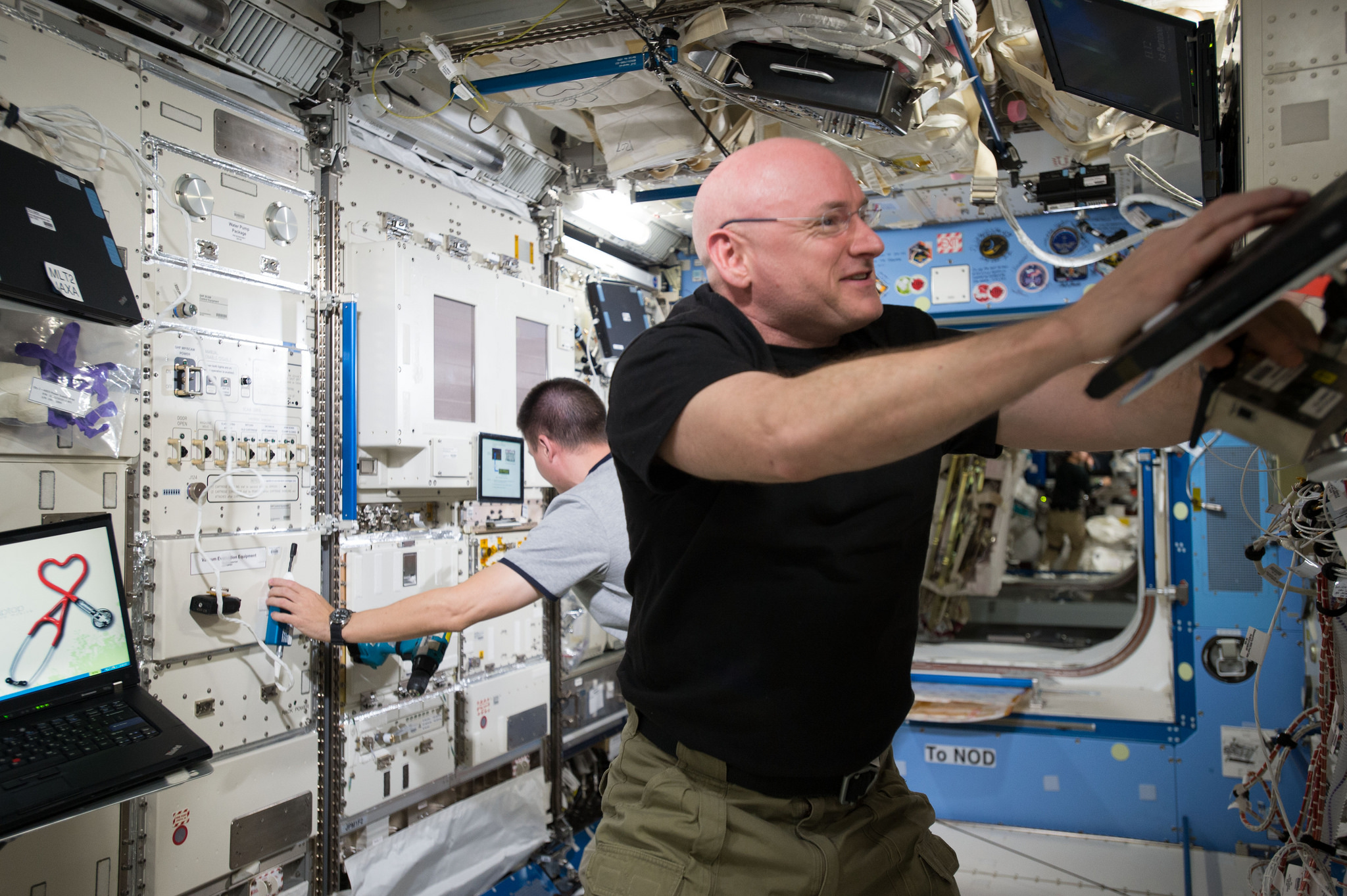 A Few Life Lessons from Record-Breaking Astronaut Scott Kelly