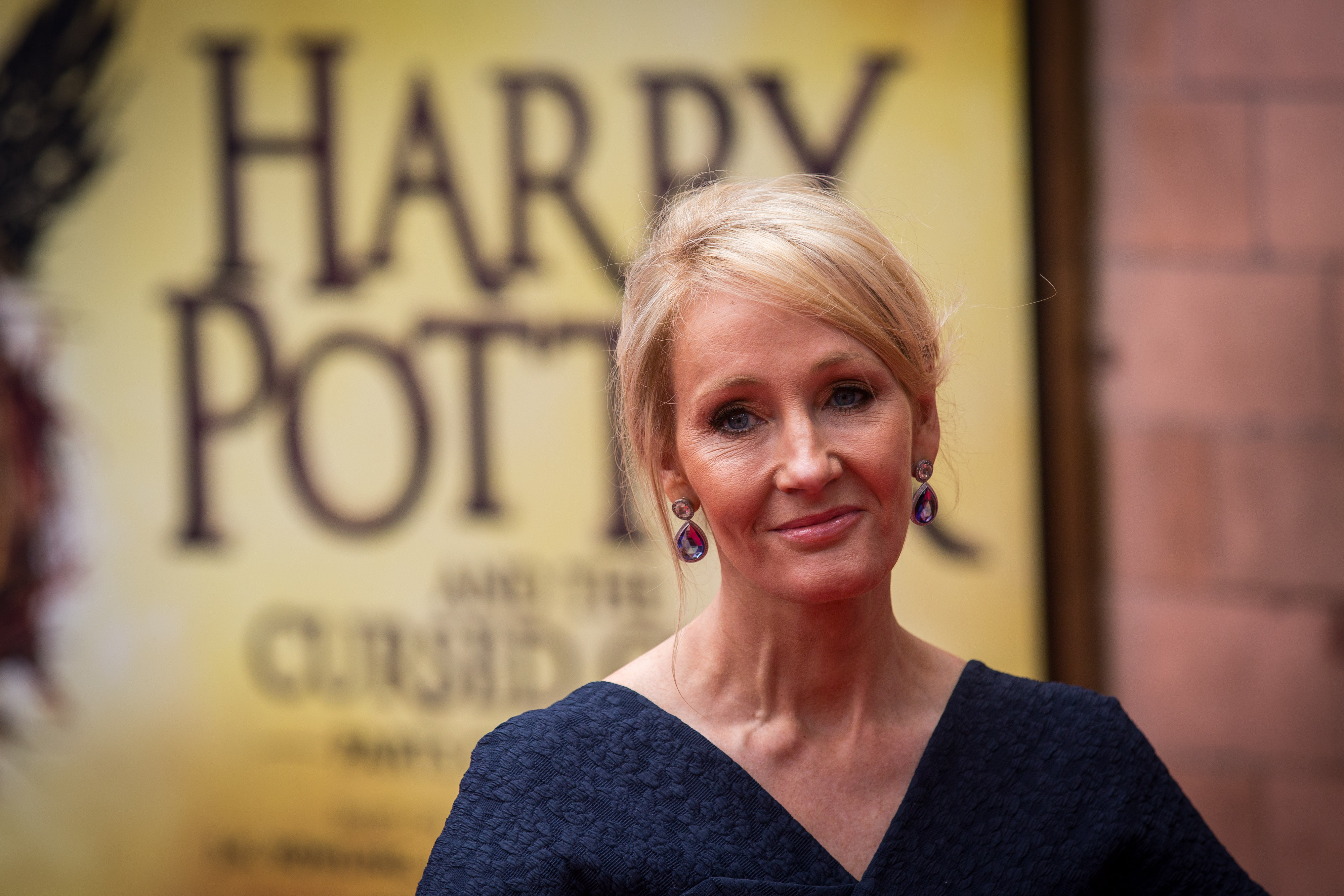 Rowling will write a script for a new film that will take place in the Harry Potter universe. 06/09/2015 61