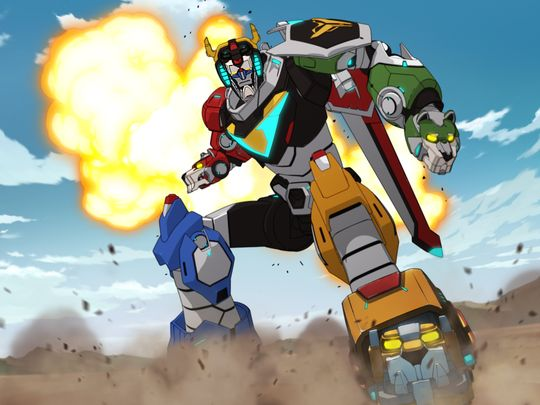 "Why You Should Binge-Watch ""Voltron"" This Week"