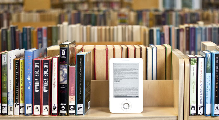 A Literature Major's Defense of E-Books and Digital Media