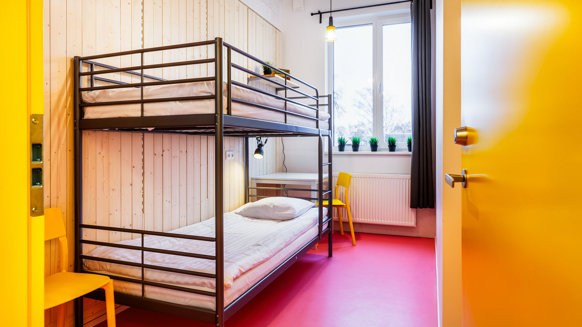 How to Totally Crush It Your First Time at a Hostel