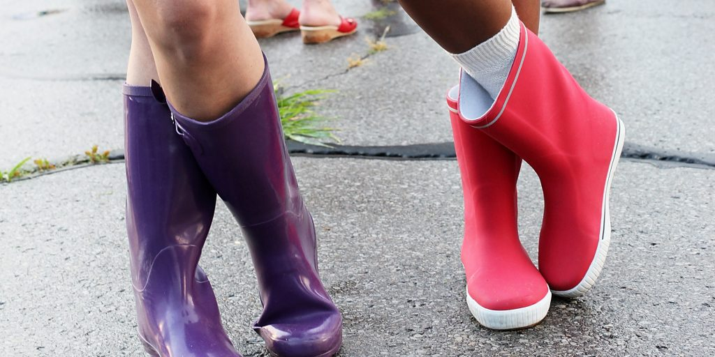 The 5 Types of Shoes You Should Bring To College