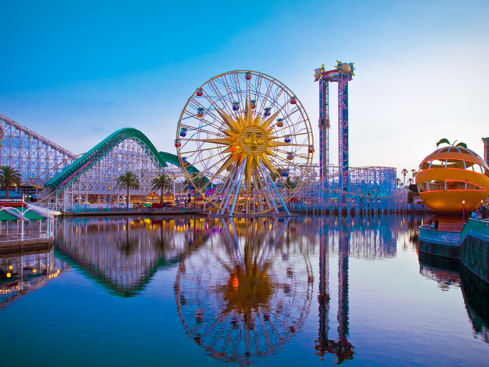 the west coast's 7 best theme parks