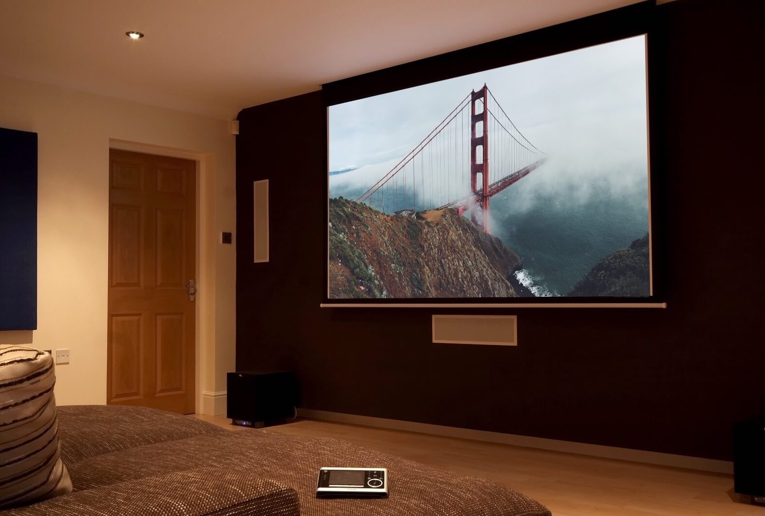 projector living youtube watch room