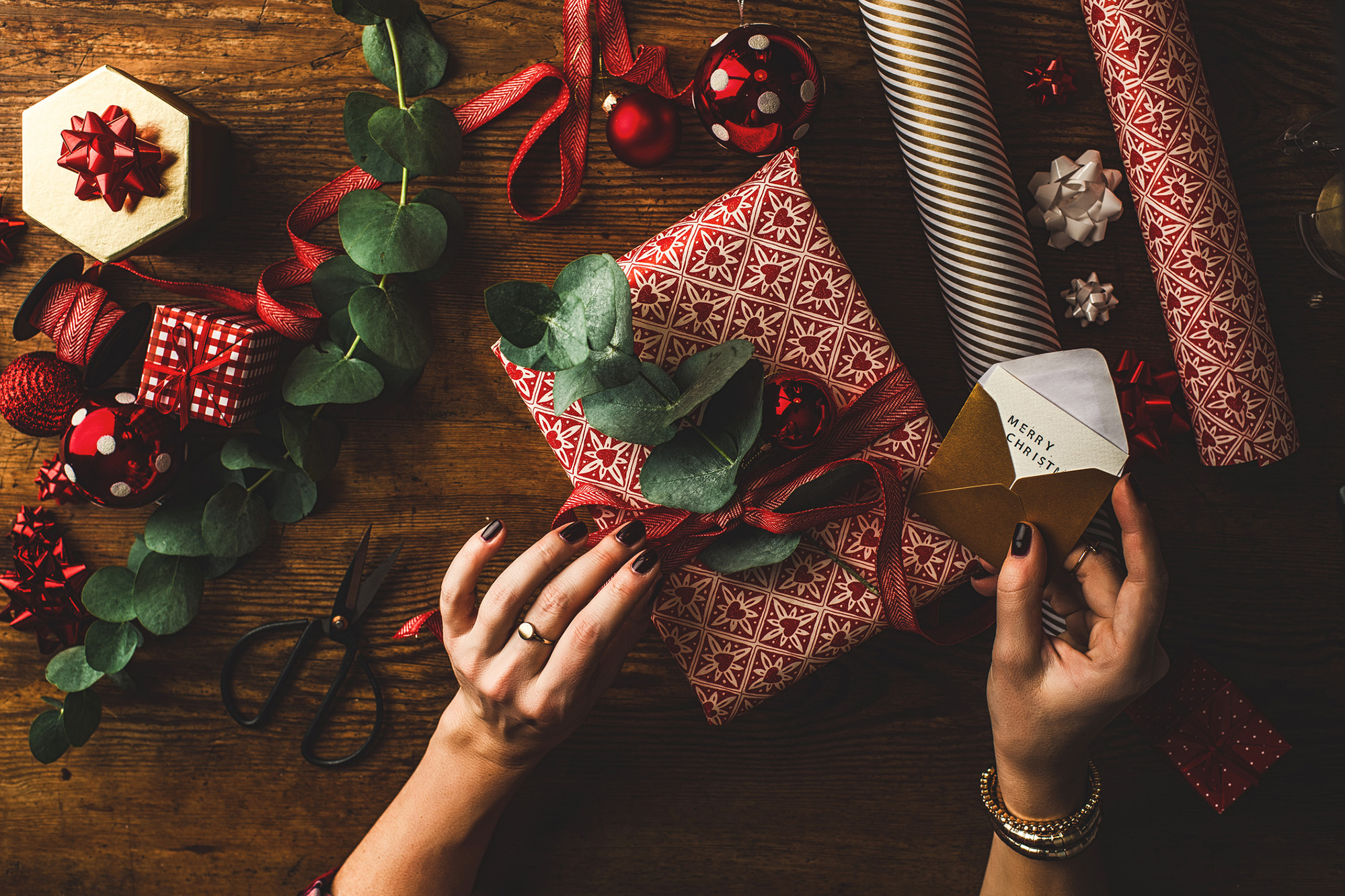 6 essential items every college student needs on their holiday wish list