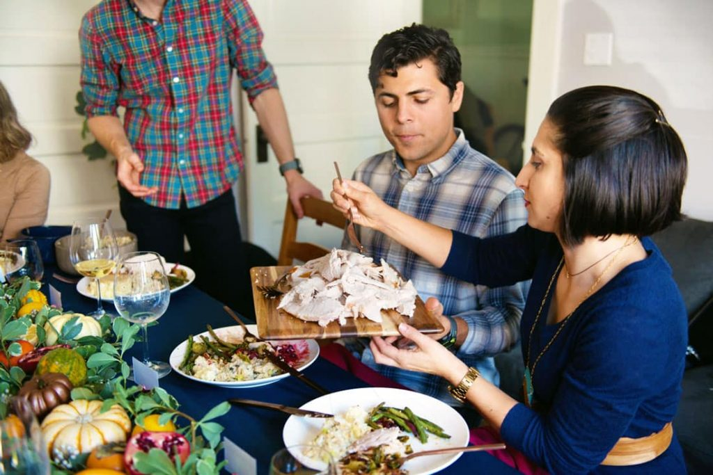 How to Throw an Amazing (and Affordable) Friendsgiving