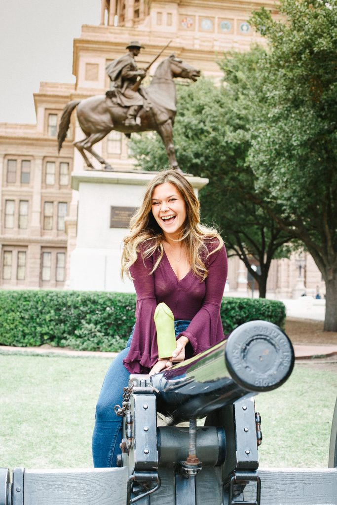 At UT Austin, Ana Lopez Is Bringing Dildos to a Gun Fight Bringing Dildos to a Gun Fight - 웹