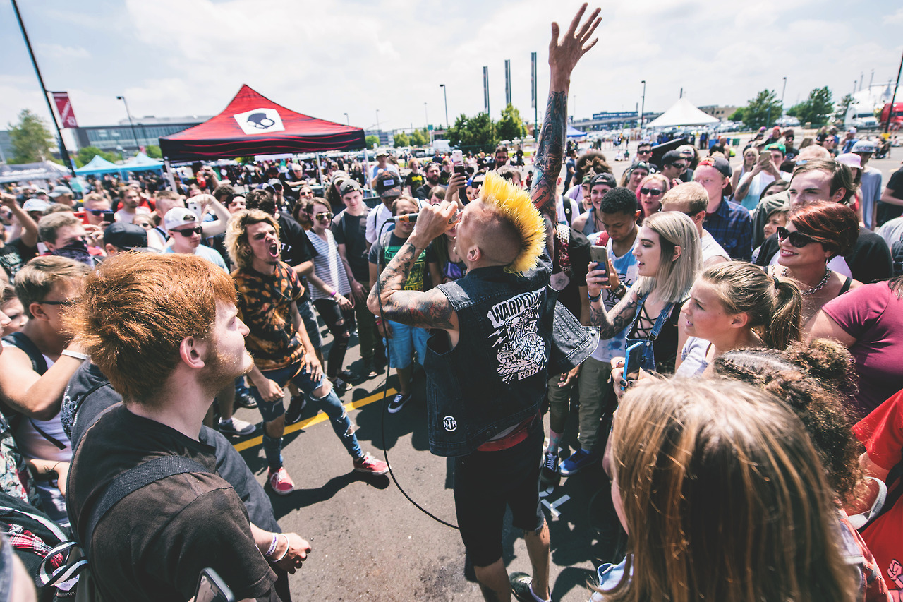 578ec0e2233 Here s How to Make the Most of Your Last Van s Warped Tour Ever