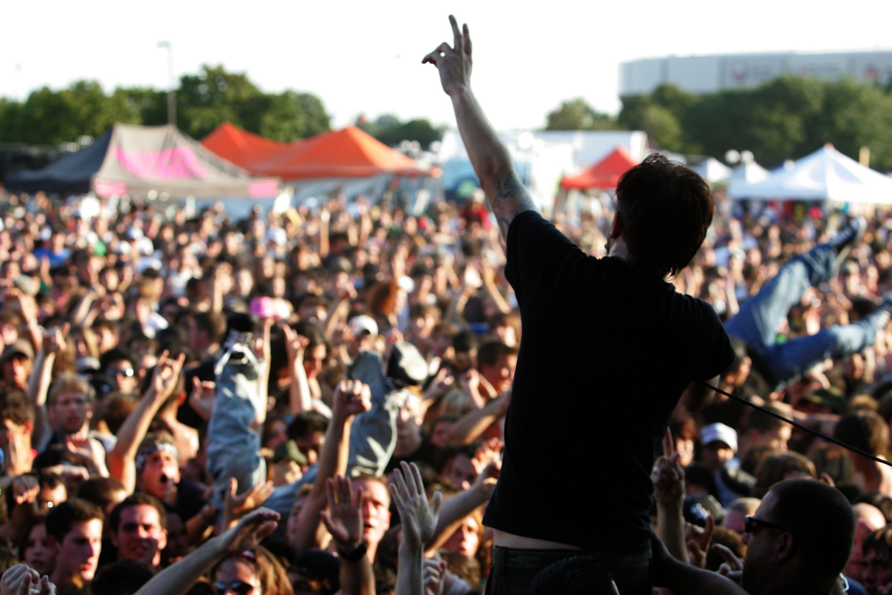 Heres how to make the most of your last vans warped tour ever m4hsunfo