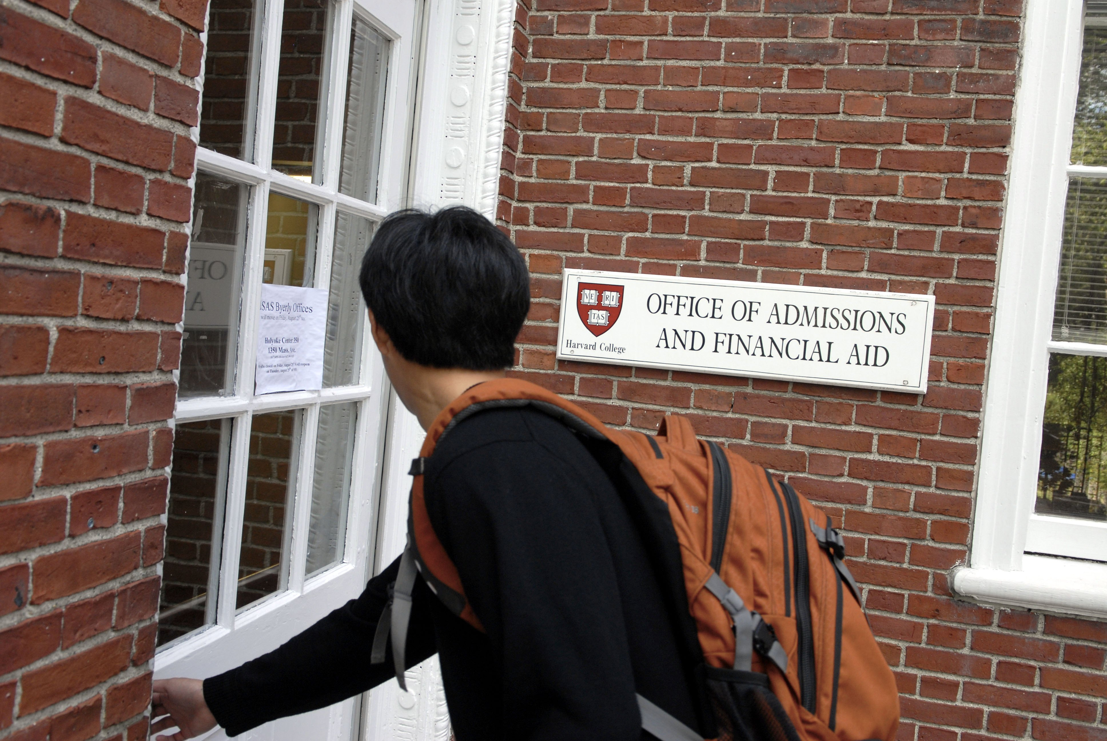 Asian-Americans Sue Harvard for Admissions-Based Discrimination