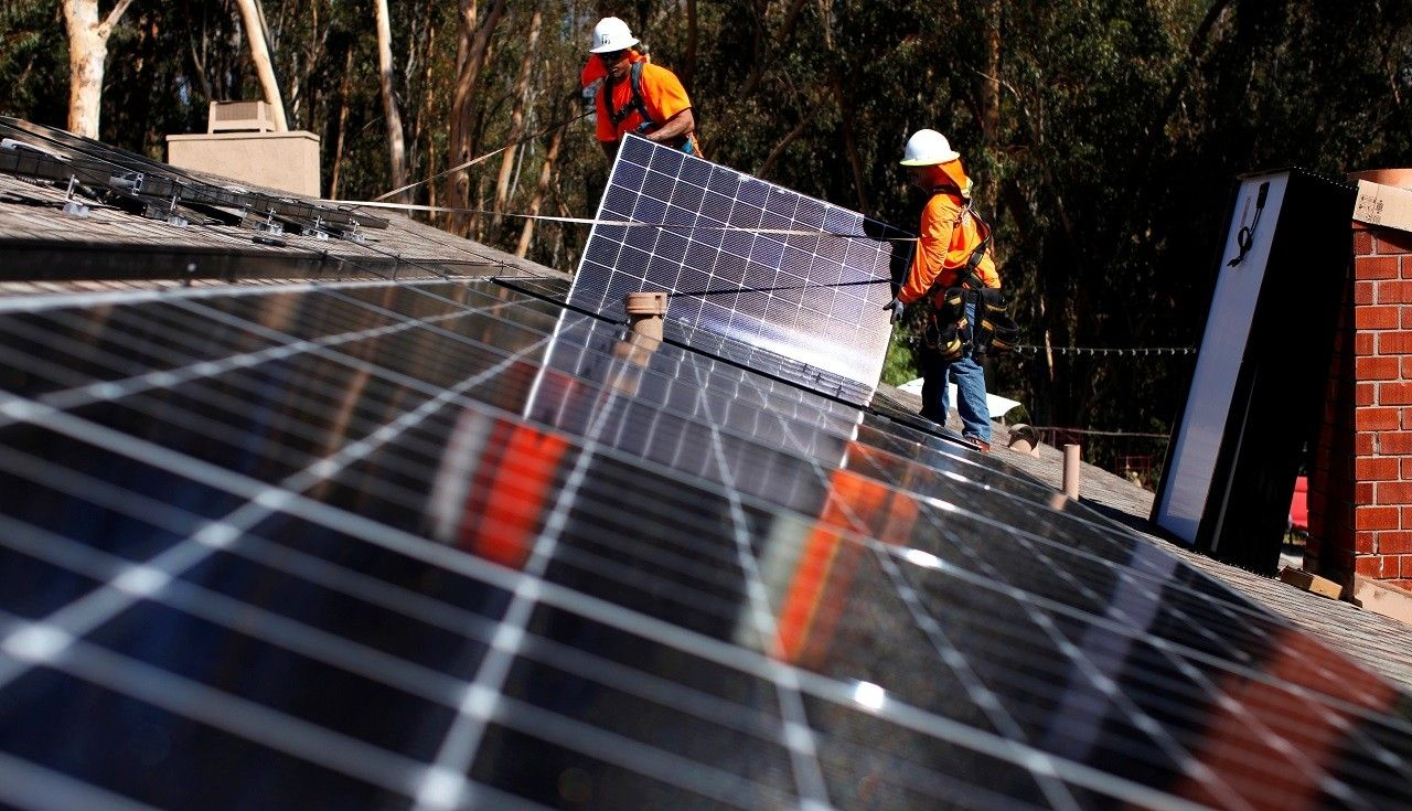 Sunny California Mandates Solar Panels in New Homes