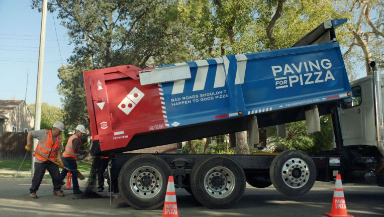 dominos-potholes