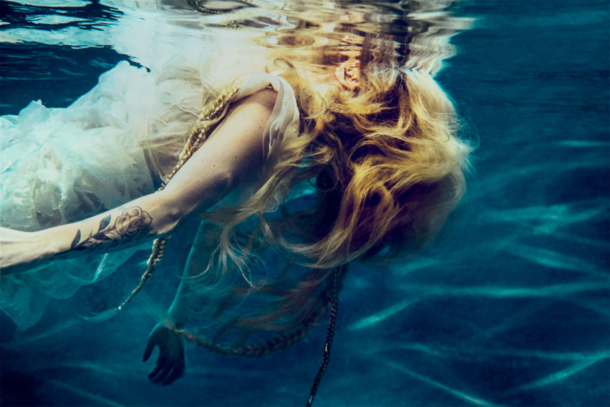 head above water avril lavigne  Avril Lavigne's 'Head Above Water' Is a Product of Her Battle with ...