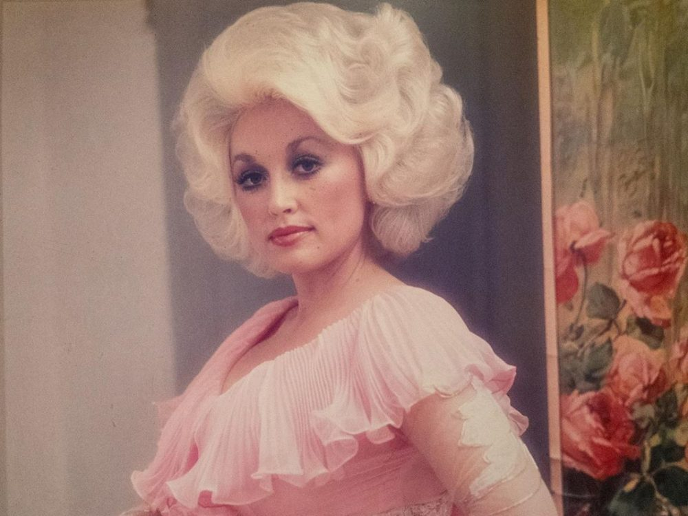 Dolly Parton S Message Of Acceptance Unites Fans From All Walks Of Life